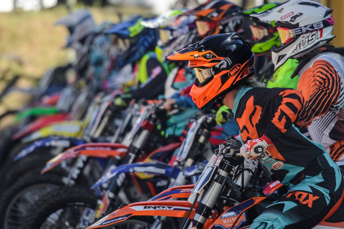 dirt bikes on the starting grid